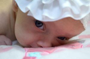 consigli per vestire un bambino appena nato